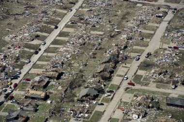 米国オクラホマ州での竜巻被害支援を行います