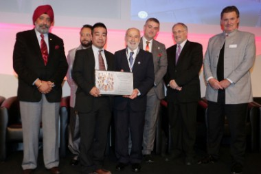 旅行業界の世界的イベントで、ピースボートが「平和大使賞」を受賞しました!