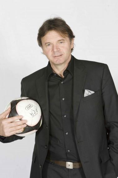 サッカー元日本代表監督フィリップ・トルシエさんより、応援メッセージをいただきました