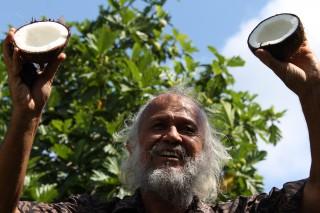 先住民の知恵を引き継ぐ ガビさんとの農業体験から学ぶ豊かな暮らしとは ―タヒチ
