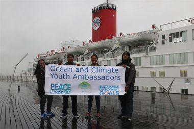 第97回ピースボートが出航、気候変動に立ち向かう「パラオ誓約」を広める