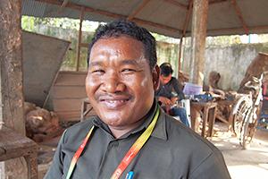 両脚をなくしたソワンタさんの挑戦 ~カンボジア・地雷被害者支援の現場より~