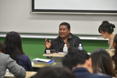 カンボジアの地雷被害者による講演会が中日新聞に掲載されました