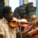 「武器ではなく音楽を」アフリカン・ユース・アンサンブル支援キャンペーンをしています