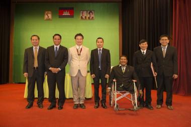 ピースボートスタッフが「カンボジア王国友好勲章」を受章しました