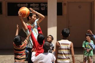 10万人のストリートチルドレン シェルターとしての学校の取り組み ―ムンバイ