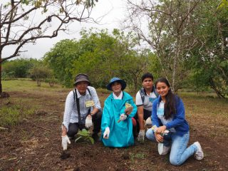 第91回ピースボートで「ガラパゴスの森再生プロジェクト」植林ツアーを実施しました