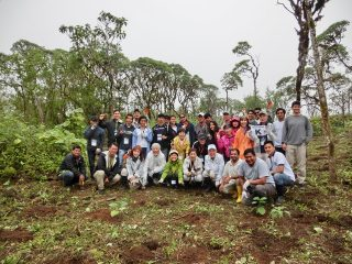 第95回ピースボートで「ガラパゴスの森再生プロジェクト」植林ツアーを実施しました